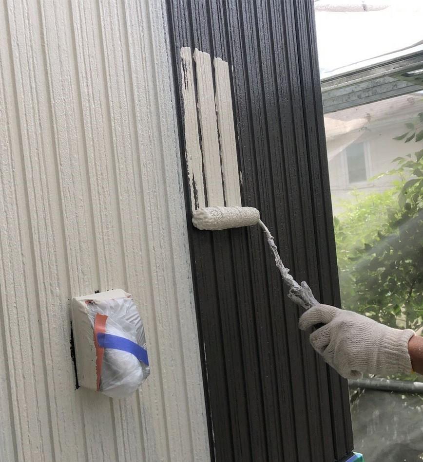 外壁色替え中塗り